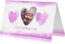 Geburtskarte mit Foto und rosa Herzen