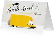 Geslaagd kaart vrachtwagen rijbewijs gele bus en typografie