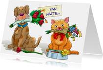 Grappige felicitatiekaart met hond en kat met bloemen