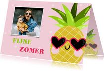 Grappige verjaardagskaart met coole ananas en foto