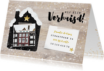 Hippe Kerst-verhuiskaart met huisje met sneeuw, foto en hout