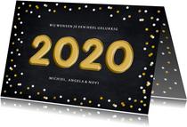 Hippe nieuwjaarskaart met confetti en folieballon 2020