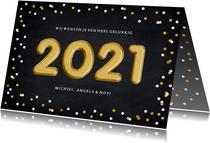 Hippe nieuwjaarskaart met confetti en folieballon 2021