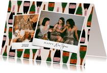 Hippe nieuwjaarskaart met foto's en champagne achtergrond