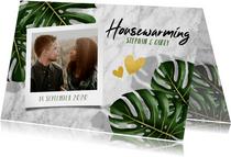 Hippe uitnodiging voor housewarming met bladeren en marmer