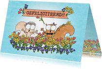 Huwelijksfelicitatie lente met eekhoorntjes in bloemenveld