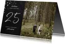 Jubileum uitnodiging 25 jaar getrouwd foto zilveren spetters