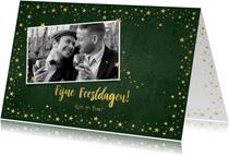 Kerst stijlvolle groene fotokaart industrieel sterren goud