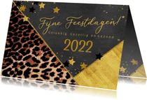 Kerstkaart hip met panterprint en goudkleurige sterren 2022