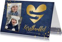 Kerstkaart kerstknuffel met gouden hart en 2 eigen foto's