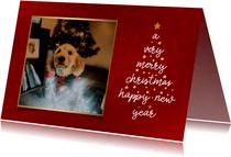Kerstkaart met typografische kerstboom en foto