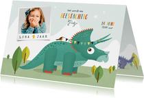Kindefeestje vrolijk dinosaurus fotokaart triceratops