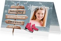 Kinderfeestje uitnodiging schaatsen wegwijzers winter