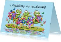 Leuke beterschapskaart met kikkers op waterlelie-bladeren