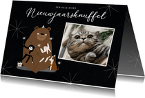 Leuke nieuwjaarskaart dikke dieren knuffel illustratie foto
