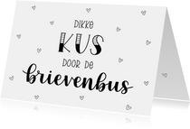 Liefde kaart - Dikke kus door de brievenbus II