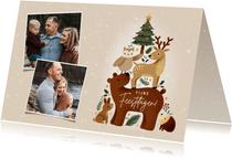 lieve kerstkaart met bosdieren, kerstboom, sneeuw en foto's