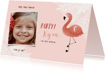 Lieve uitnodiging kinderfeestje flamingo, bladeren en foto