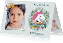 Lieve uitnodiging kinderfeestje met eenhoorn, bloemen & foto