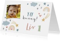 Lieve verjaardagskaart voor meisje regenbogen en sterretjes
