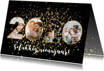 Moderne nieuwjaarskaart 2020 fotocollage en gouden confetti