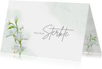 Mooie sterktekaart met afbeelding van witte bloemen
