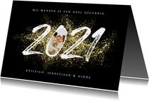 Nieuwjaarskaart 2021 stijlvol goud spetters vuurwerk