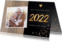 Nieuwjaarskaart foto confetti goudlook hout krijtbord
