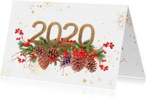 Nieuwjaarskaart met 2020 in hout met goud