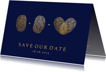 Originele save the date kaart vingerafdrukken en hartje