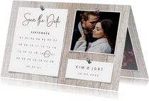 Save the date kalender hout met foto's en spijkers