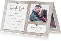 Save the date kalender hout met sneeuw, foto's en spijkers