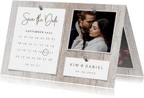 Save-the-Date-Karte zur Hochzeit Fotos auf Holz