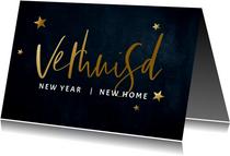 Stijlvolle donkerblauwe kerst verhuiskaart met gouden tekst