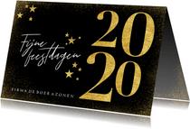Stijlvolle kerstkaart met gouden 2020 sterren