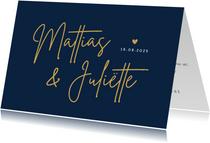 Stijlvolle liggende trouwkaart met sierlijke namen voorop