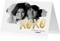 Stijlvolle moederdag kaart met grote foto en gouden XOXO