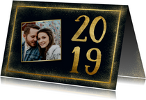 Stijlvolle nieuwjaarskaart met gouden kader en 2019