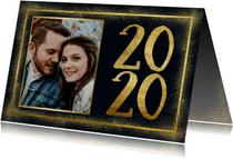 Stijlvolle nieuwjaarskaart met gouden kader en 2020