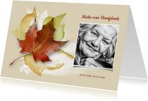 Stijlvolle rouwkaart herfst met eigen foto