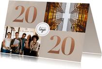 Stijlvolle zakelijke nieuwjaarskaart met foto's en 2020