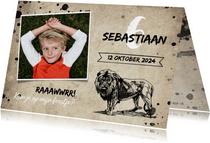 Stoere uitnodiging kinderfeestje met leeuw en spetters