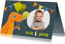 Stoere uitnodiging voor een kinderfeestje met dinosaurus