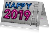 Stoere zakelijke 'Happy 2019' met neon en eigen logo