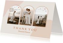 Trendy bedankkaart in roze aardetinten met foto's en bogen