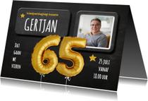 Uitnodiging ballonnen goud krijtbord