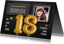 Uitnodiging 18 Ballon goud op krijtbord