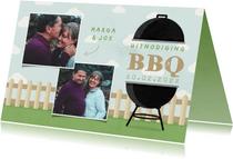Uitnodiging BBQ met foto's, barbecue, hekje en wolken