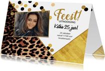 Uitnodiging feestelijke kaart met panterprint en confetti
