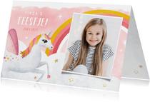 Uitnodiging kinderfeestje meisje met eenhoorn en regenboog